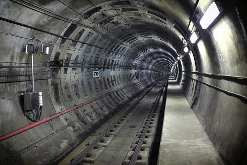 Railway Tunnel with TETRA Optical Repeater