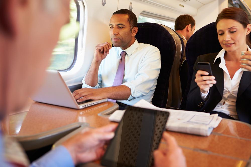 Téléphonie Mobile 2G 3G 4G GSM UMTS LTE GSM-R embarquée dans les trains